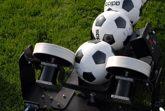 pro trainer soccer ball machine